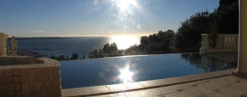 Luxury House for rent LE GOLFE JUAN, 230 m², 5 Bedrooms,