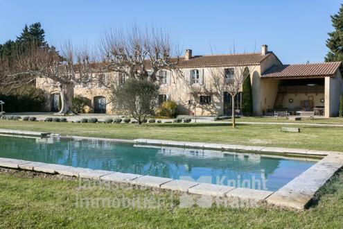 Farm de luxe à vendre L'ISLE SUR LA SORGUE, 450 m², 7 Chambres