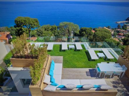 Maison de luxe à louer EZE, 400 m², 5 Chambres