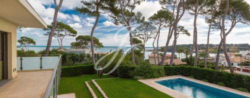 Maison de luxe à louer CAP D'ANTIBES, 200 m², 4 Chambres