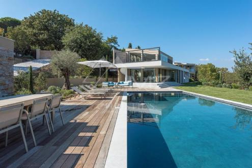 Maison de luxe à louer SAINT TROPEZ, 550 m², 5 Chambres