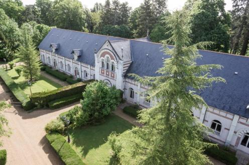 Proprietà di lusso in vendita TOURS, 1400 m², 5 Camere, 1280000€
