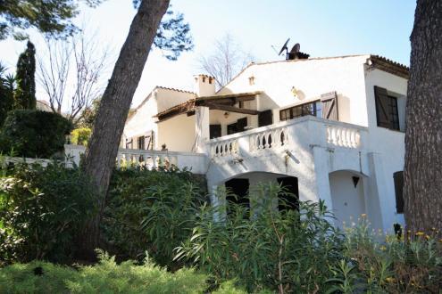 Вилла класса люкс на продажу  Антиб, 195 м², 895000€