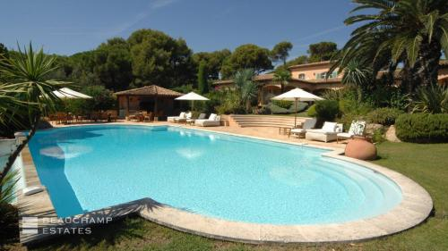 Luxury Villa for rent SAINT TROPEZ, 400 m², 10 Bedrooms