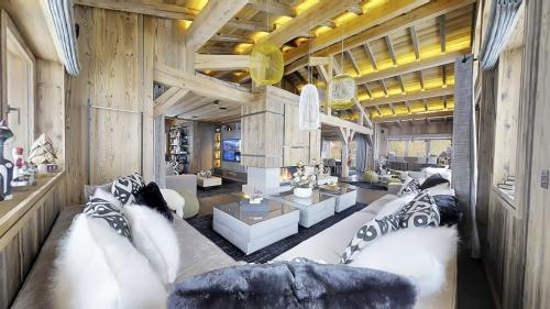 Luxury Chalet for rent MEGEVE, 960 m², 6 Bedrooms