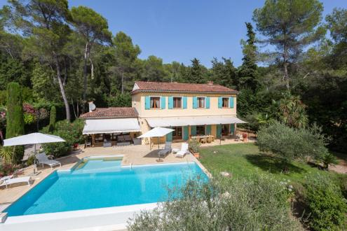 Luxury House for rent VALBONNE, 223 m², 4 Bedrooms