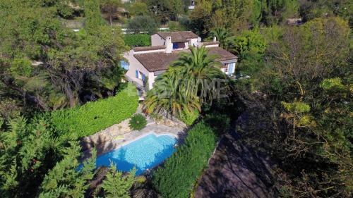 Villa de luxe à vendre MOUGINS, 225 m², 4 Chambres, 1196000€
