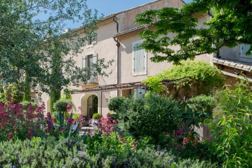 Luxury House for rent MAILLANE, 500 m², 7 Bedrooms,
