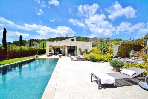 Maison de luxe à louer MOUGINS, 300 m², 4 Chambres