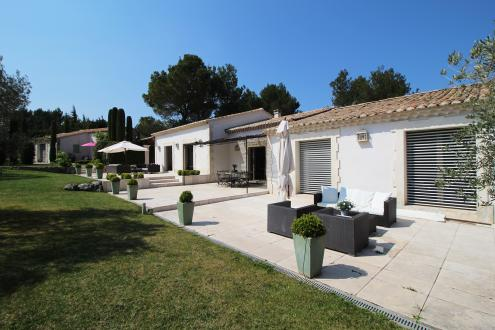Luxury House for sale EYGALIERES, 300 m², 5 Bedrooms, €3450000
