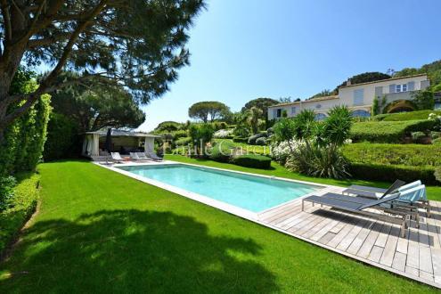 Maison de luxe à louer RAMATUELLE, 320 m², 4 Chambres
