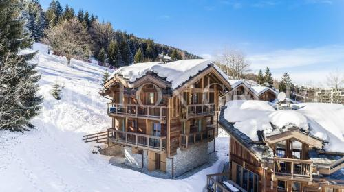 Luxury Chalet for rent COURCHEVEL, 320 m², 5 Bedrooms