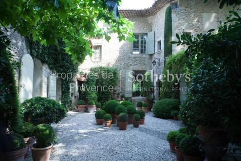 Luxus-Bastide zu verkaufen LOURMARIN, 600 m², 9 Schlafzimmer, 10000000€