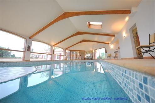 Maison de luxe à louer NANTES, 350 m², 4 Chambres