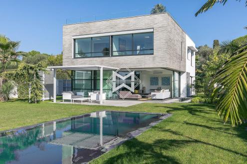 Luxury Villa for sale CAP D'ANTIBES, 325 m², 5 Bedrooms, €4900000