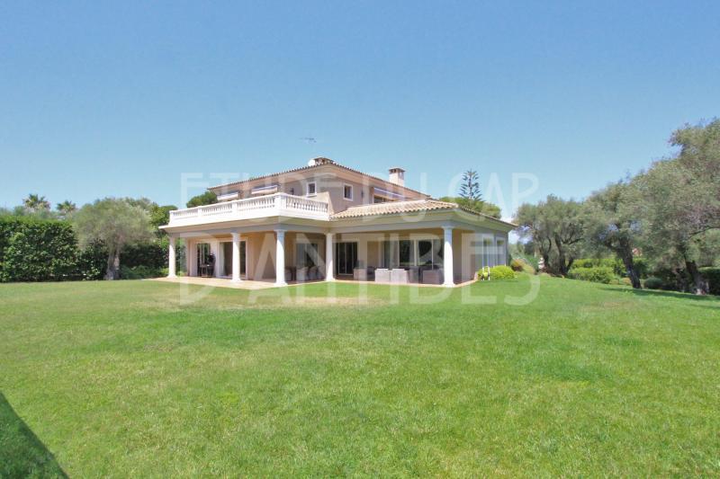 Maison de luxe à louer CAP D'ANTIBES, 450 m², 6 Chambres,