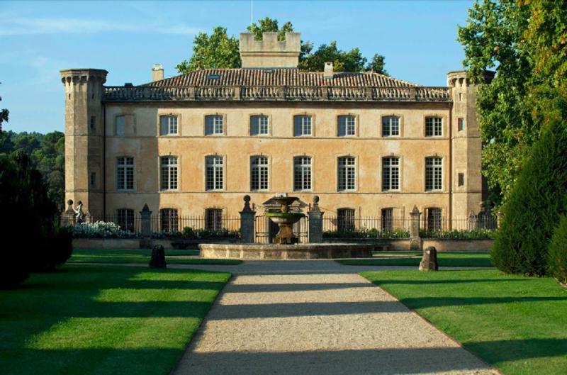 Location saisonni re maison luxe 11 pi ces 1000 m2 aix for Maison de l emploi aix en provence