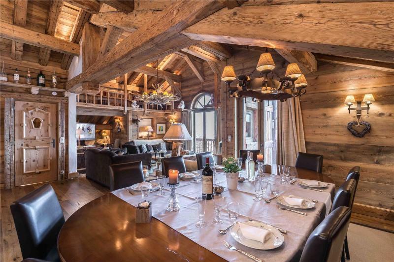 Maison de luxe à louer COURCHEVEL, 400 m², 6 Chambres