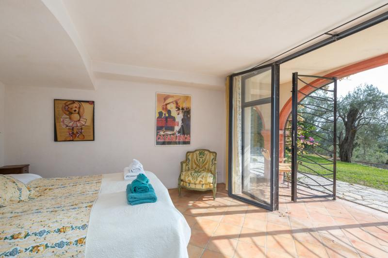 Maison de luxe à louer VALBONNE, 418 m², 7 Chambres