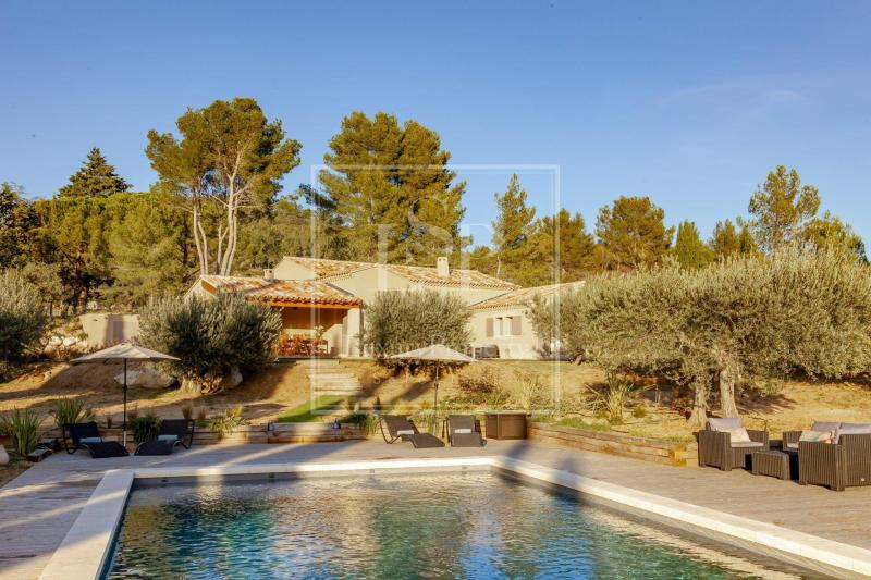 Luxury House for rent LES BAUX DE PROVENCE, 230 m², 3 Bedrooms