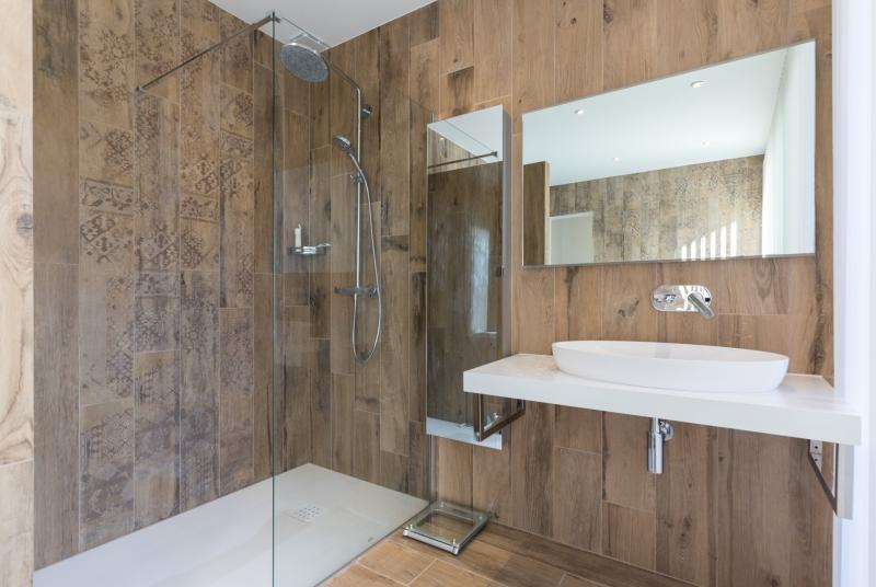Maison de luxe à louer VALBONNE, 220 m², 4 Chambres