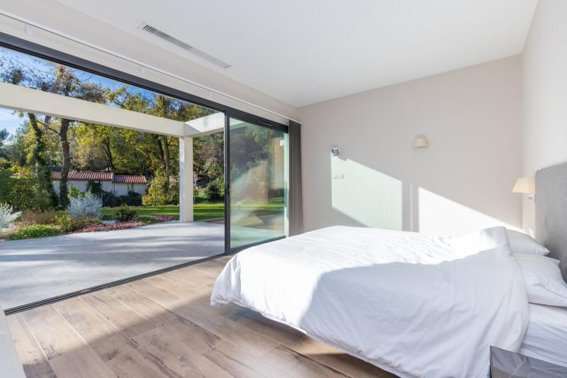 Casa di lusso in affito VALBONNE, 220 m², 4 Camere,