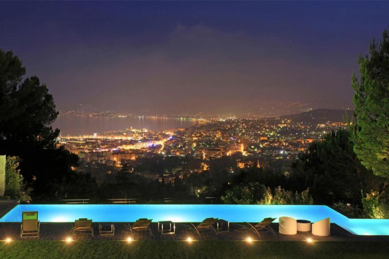 Casa di lusso in affito CANNES, 550 m², 7 Camere,