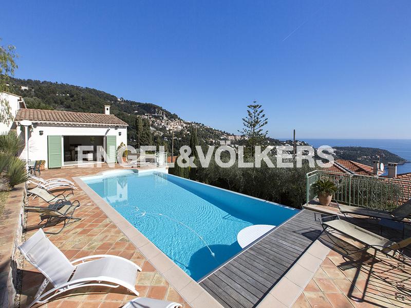 Sale Prestige Villa ROQUEBRUNE CAP MARTIN