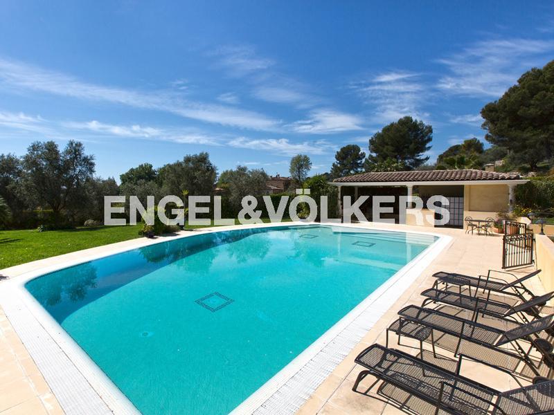Villa de prestige MOUGINS, 381 m², 4 Chambres, 2780000€