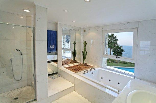 Maison de luxe à louer VALLAURIS, 5 Chambres