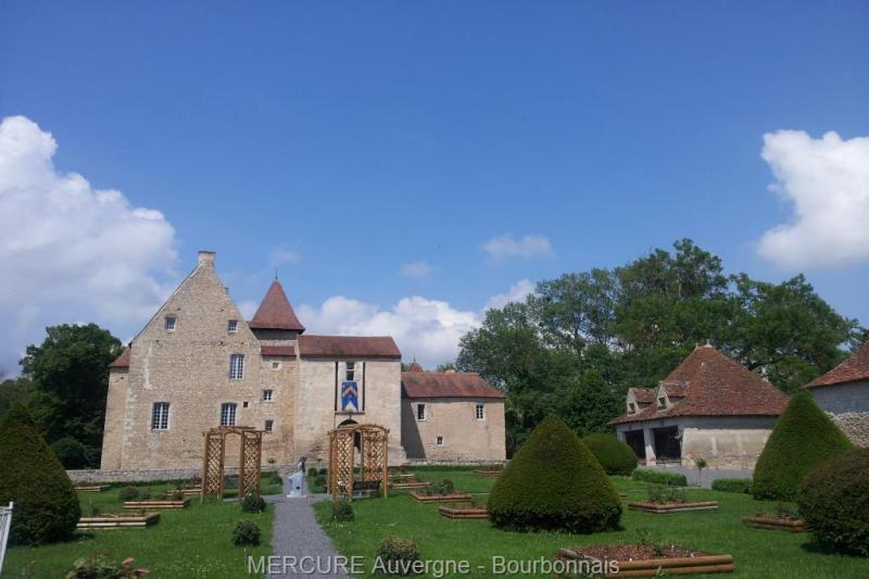 Verkauf Prestige-Schloss / Herrenhaus BELLENAVES
