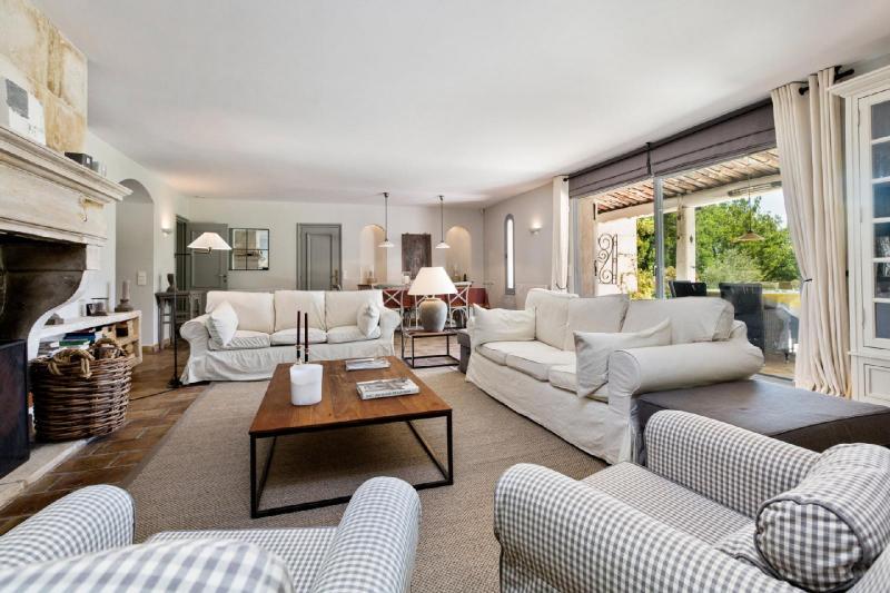 Casa di lusso in affito VALBONNE, 240 m², 4 Camere,