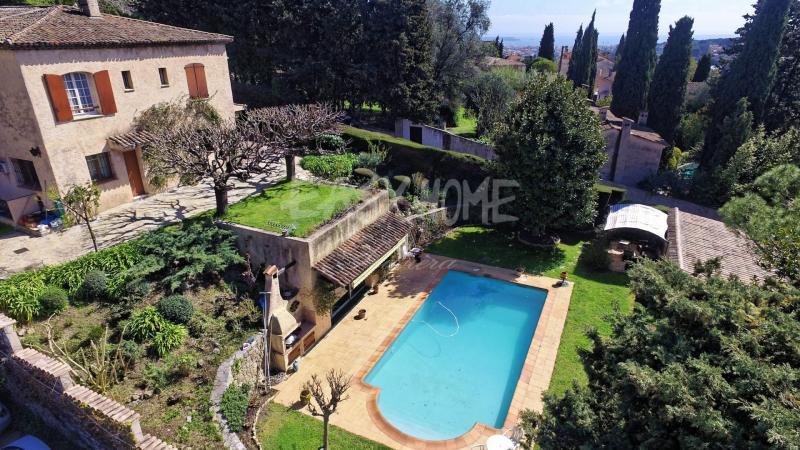 Villa de prestige MOUGINS, 230 m², 4 Chambres, 848000€