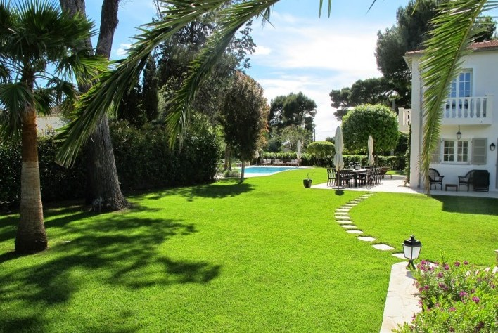 Luxury House for rent CAP D'ANTIBES, 200 m², 5 Bedrooms,