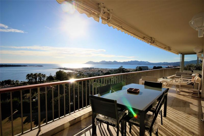 Luxury House for rent CANNES, 240 m², 5 Bedrooms,