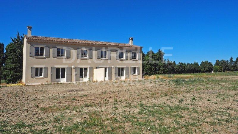 Vente Villa de prestige CHATEAURENARD