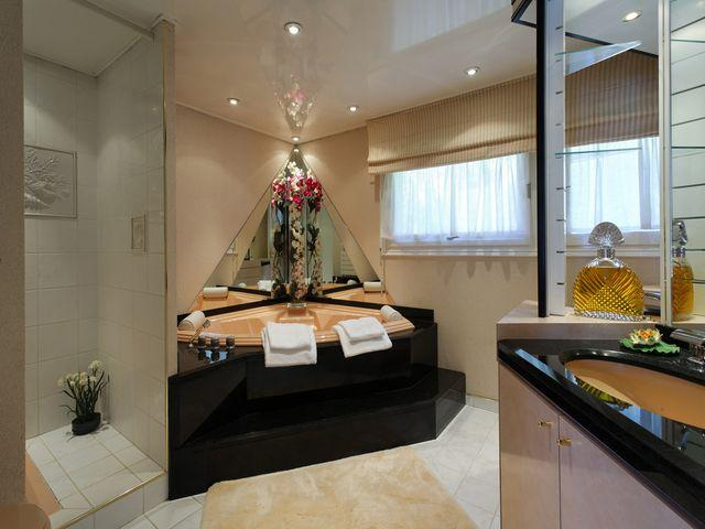 Luxury House for rent VEYRIER DU LAC, 300 m², 5 Bedrooms,