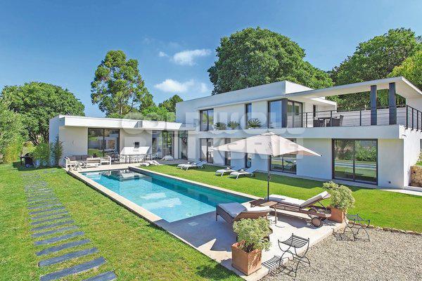 Verkoop Prestigieuze Huis MOUGINS