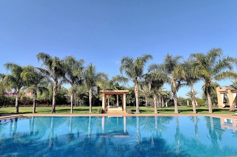 Villa de prestige SOUS MASSA DRAA, 1089 m², 6 Chambres, 2500000€