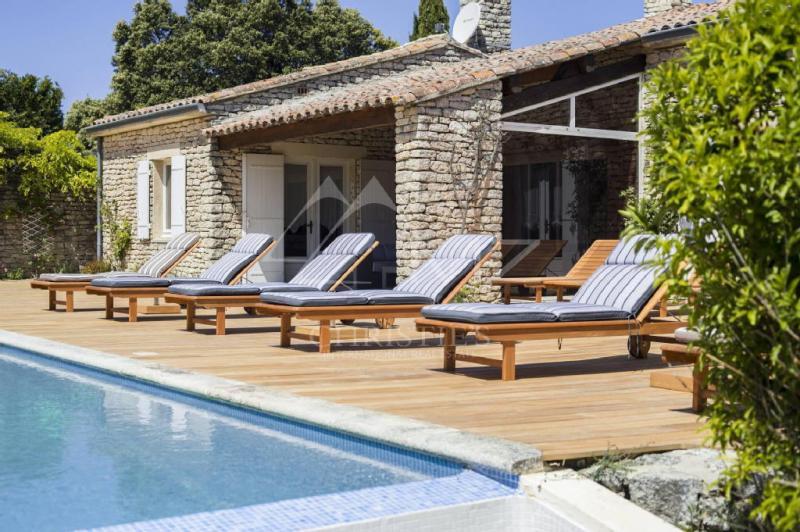 Maison de luxe en location BONNIEUX, 260 m², 5 Chambres