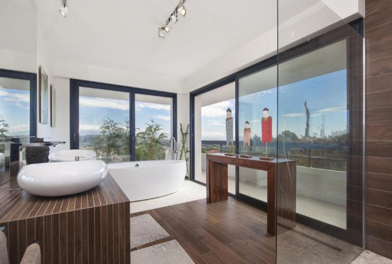 Maison de luxe à louer BIOT, 300 m²