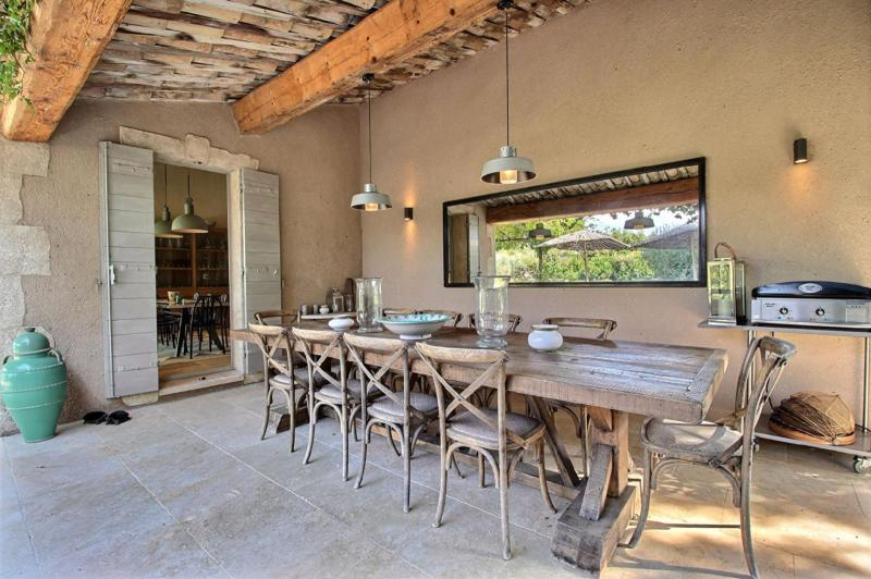 Luxury House for rent EYGALIERES, 370 m², 6 Bedrooms,