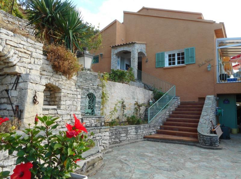Propriété de prestige SAINT FLORENT, 215 m², 4 Chambres, 1200000€