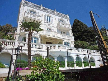 Casa di lusso in affito VILLEFRANCHE SUR MER, 325 m², 6 Camere, 92963€/mese