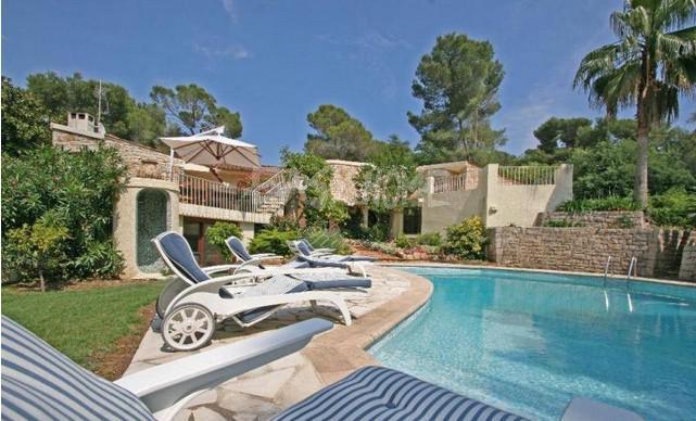 Villa de prestige MOUGINS, 250 m², 4 Chambres, 2350000€
