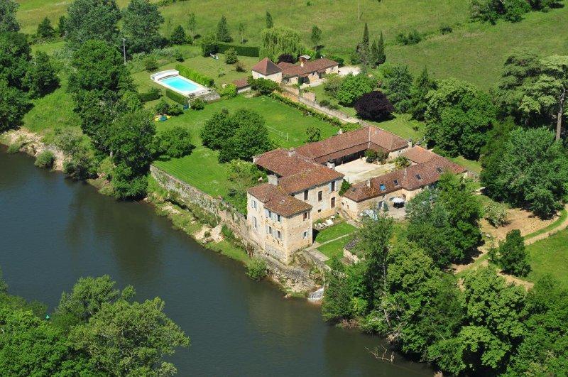 Verkoop Prestigieuze Kasteel/landhuis PUY L'EVEQUE
