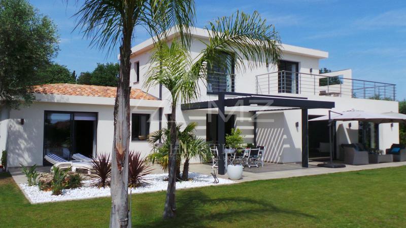 Prestige-Villa OPIO, 200 m², 3 Schlafzimmer, 2100000€