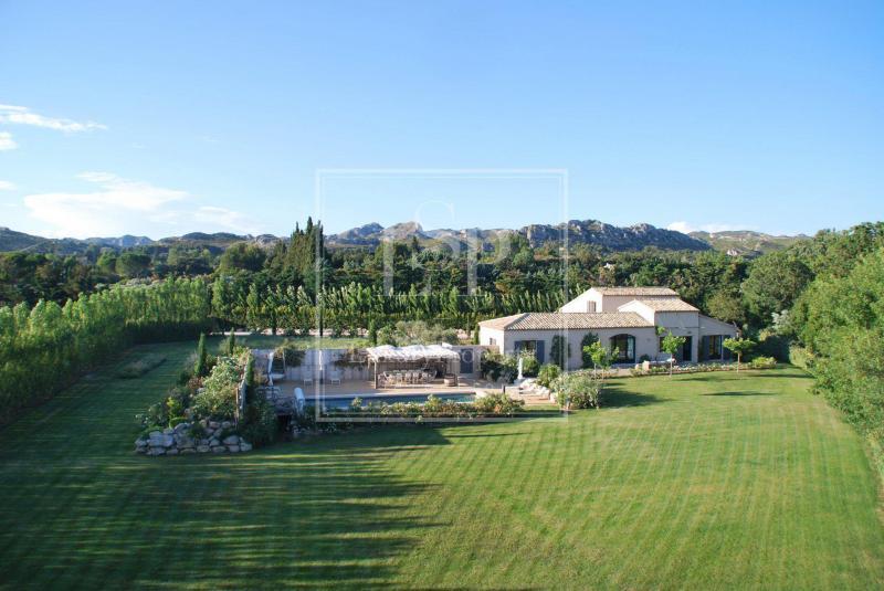 Luxury House for rent MAUSSANE LES ALPILLES, 300 m², 4 Bedrooms