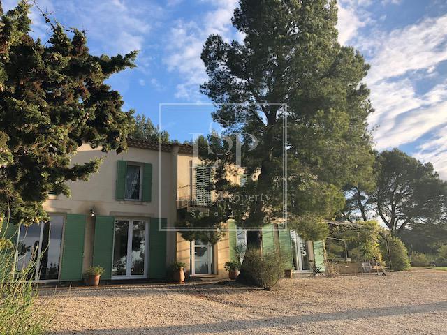 Maison de luxe à louer PARADOU, 220 m², 4 Chambres,