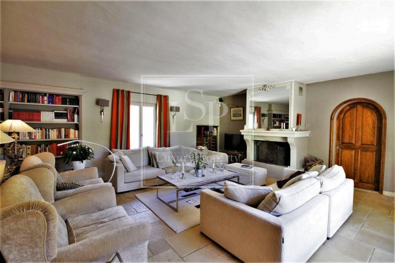 Дом класса люкс в аренду Сен-Реми-Де-Прованс, 330 м², 4 Спальни,